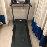 automatic treadmill with built in speakers
